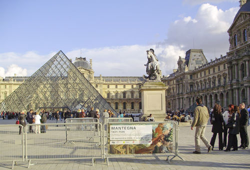Loitering at the Louvre