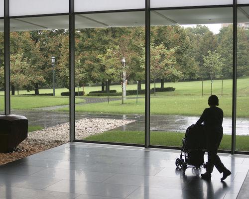 Noguchi Sculpture Court, Nelson-Atkins Museum of Art,
