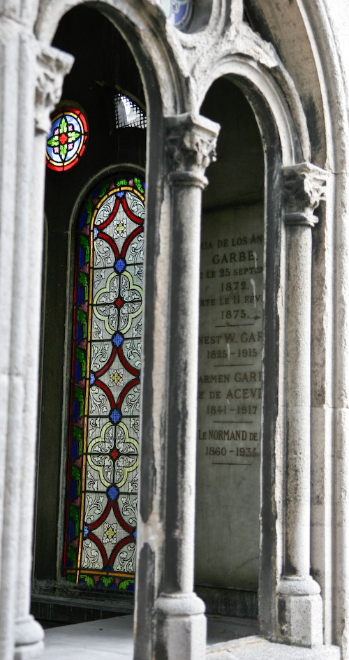 Stained glass window Pere Lachaise-7295